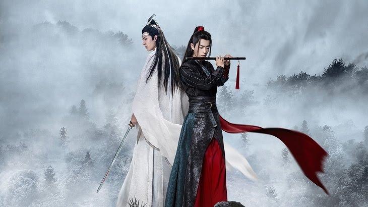 Hai nhân vật chính sóng lưng vào nhau tiêu diêu trong mây mờ